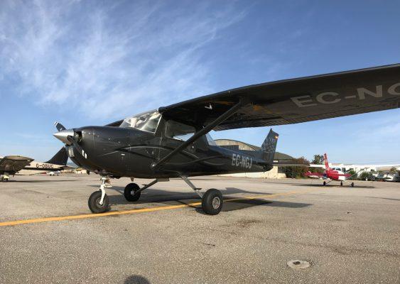 Avión acrobático UPRT Panamedia